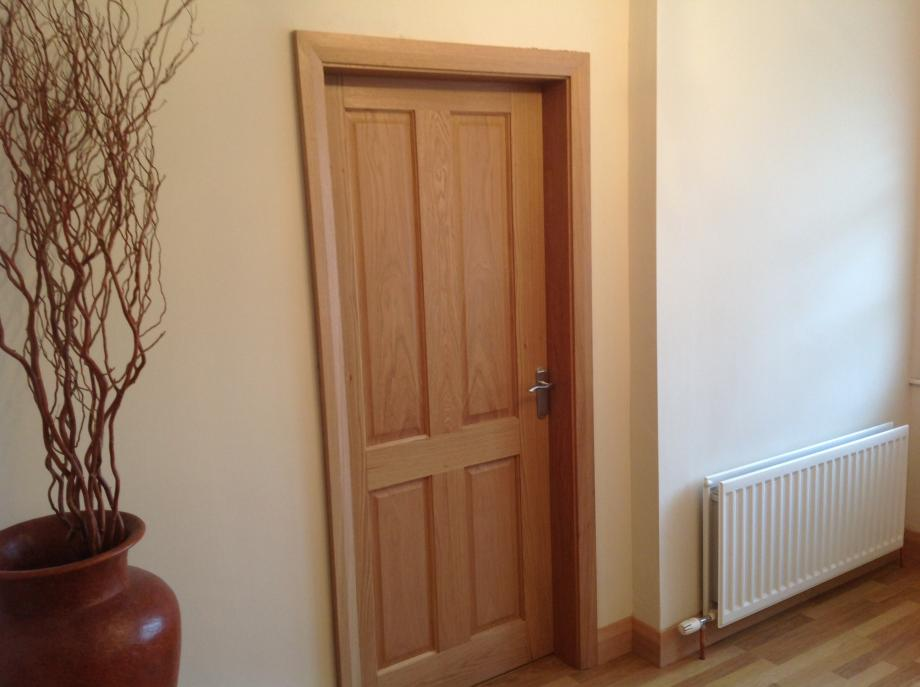 Image gallery oak architrave and skirting for Door architrave